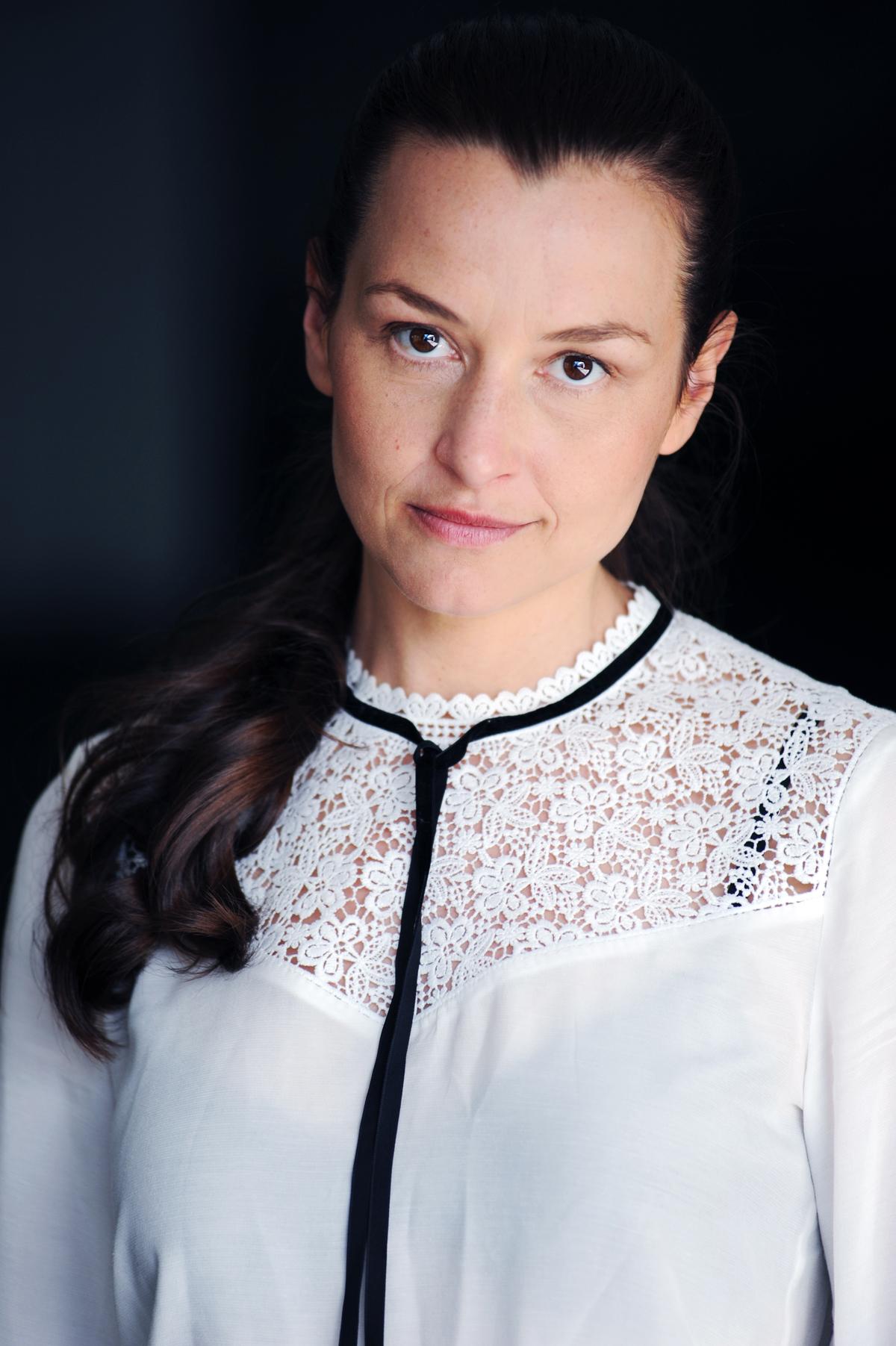 Caroline Betz Schauspielerin Köln Film Fernsehen Theater Bühne Porträt Künstlerin fotografiert von Jennifer Fey