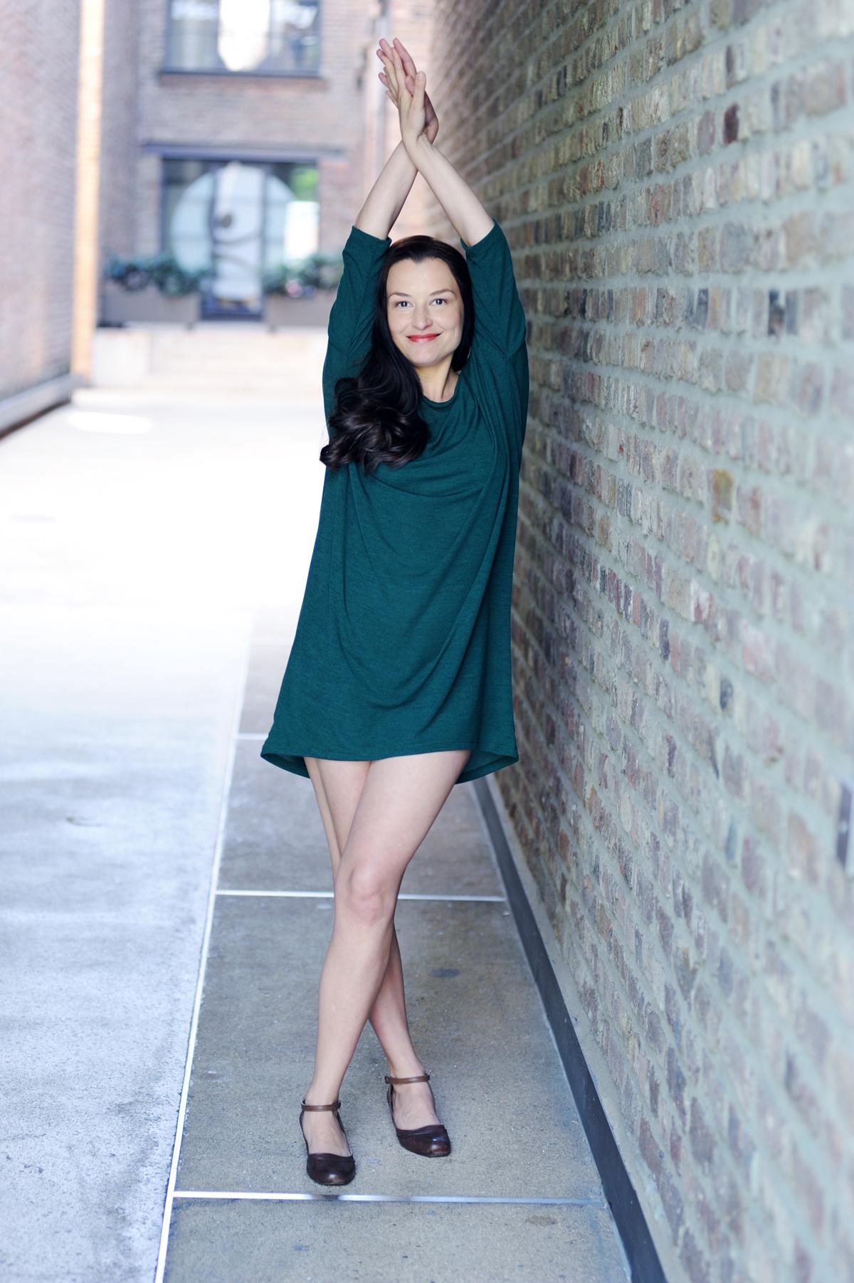Caroline Betz Schauspielerin Köln Film Fernsehen Theater Bühne Porträt Künstlerin Ganzkörper fotografiert von Jennifer Fey