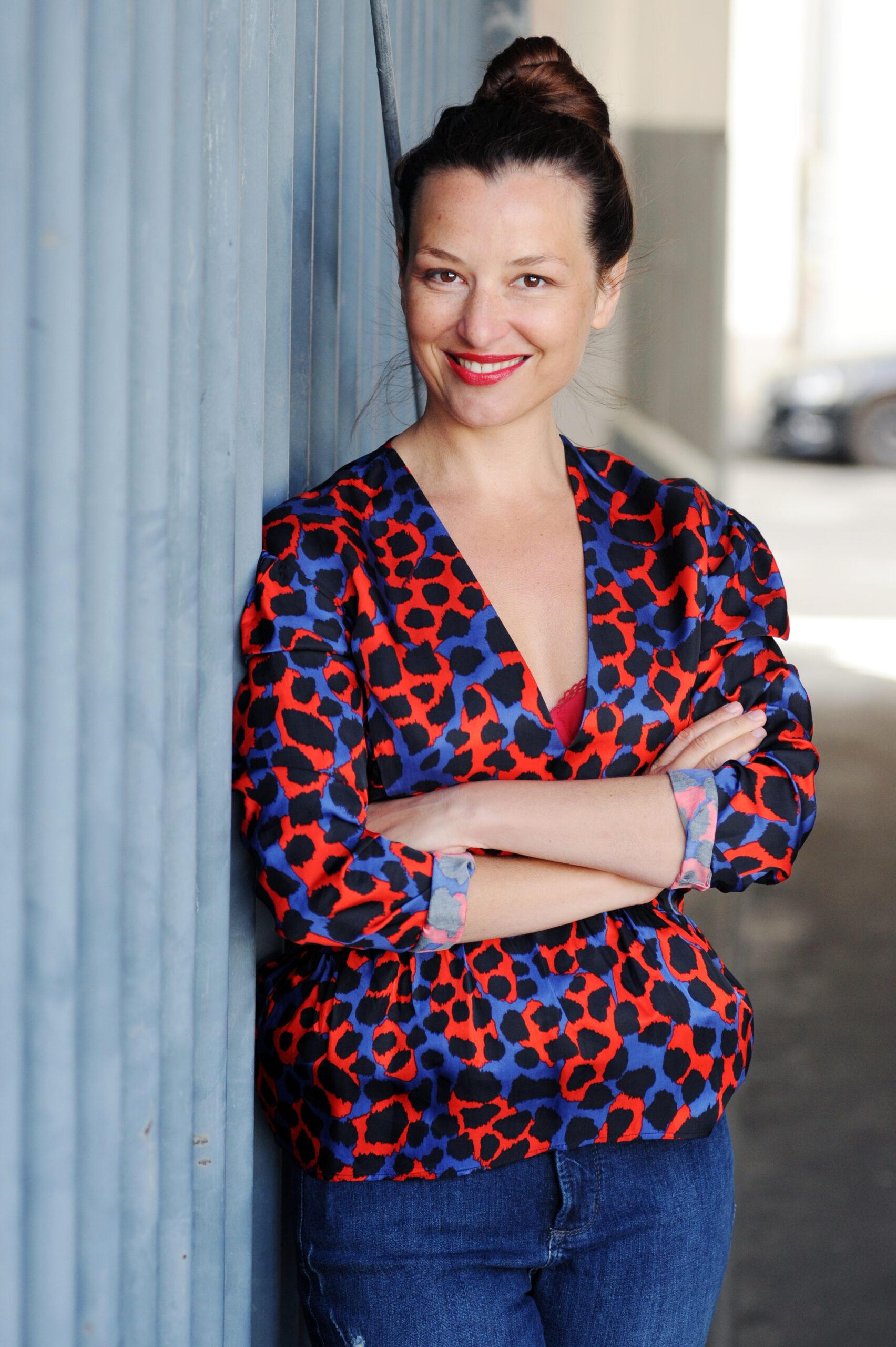 Caroline Betz Schauspielerin Köln Film Fernsehen Theater Bühne Porträt Künstlerin Halbkörper fotografiert von Jennifer Fey